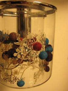 シルバーチャームと秋色ウールボール